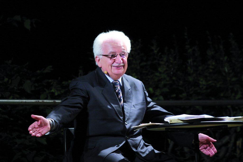 Bruno Gambarotta allarga le braccia