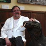 Il dottor Romano Ravazzani nel suo Ambulatorio dell'Arte
